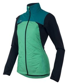 Pearl Izumi Running Jacket: Running jacket for cold weather as part of your winter running gear. What to wear running in cold weather. Pearl Izumi Running Jacket: Running jacket for cold weather as part of your w Best Running Shorts, Running Jacket, Trail Running Shoes, Running Tips, Running Outfits, Workout Outfits, Beginner Running, Running Shirts, Cold Weather Running Gear