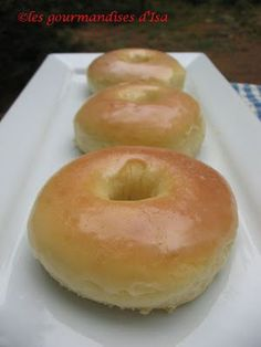 beignes Krispy cream au four My Recipes, Cooking Recipes, Bon Dessert, Biscuit Cookies, Learn To Cook, Biscuits, Sweet Tooth, Sweet Treats, Good Food
