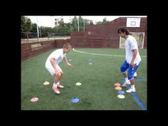 ▶ Soccer drills - Reaction speed / first touch - YouTube
