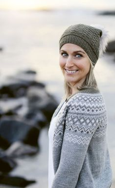 Knitting Stitches, Knitting Patterns Free, Free Knitting, Drops Design, Knit Crochet, Crochet Hats, Crochet Pattern, Drops Baby Alpaca Silk, Purl Stitch