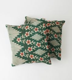 2 Vintage Quilt Pillows in 18x18 - 215