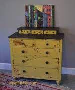 Pintar muebles de color amarillo, un nuevo matiz, un nuevo color, muchas ideas.