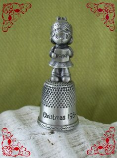 Jonathan and David, Precious Moments 1984 Christmas Thimble, Pewter Thimble, Cute Little Girls, Precious Moments, Christmas And New Year, Pin Cushions, Shadow Box, Handicraft, Pewter, Miniatures