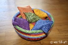 Lavender beanbags--gifts to have a rainbow theme. I wanted lavender in the bags so the area … Diy Waldorf Toys, Waldorf Crafts, Sewing Toys, Sewing Crafts, Rainbow Theme, Diy Toys, Handmade Toys, Early Childhood, Bean Bags