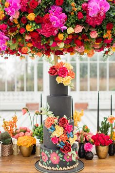 Delicate & Feminine, and Bold & Passionate Frida Kahlo Wedding Inspiration at Horniman Museum Glasshouse Venue Styled by Anna Fern Events Luxury Wedding Venues, Wedding Trends, Star Wedding, Wedding Day, Boho Wedding, Floral Wedding, Wedding Tips, Wedding Bells, Wedding Photos