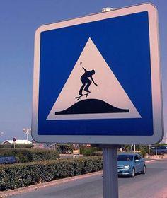 Panneau détourné : #panneau #dosdane #detourne #route #signalisation #humour #voiture #panel #trafficsign #road #car #chainesbox