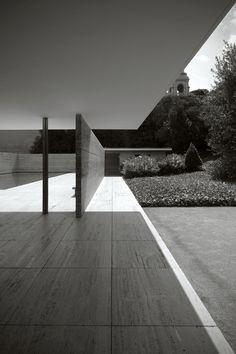 La simpleza del diseño a través del tiempo. Barcelona Pavilion | Mies van der Rohe