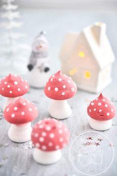 Christmas Sweets : Meringues Mushrooms