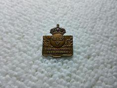 Vintage Sweden Swedish Military pin badge Military Pins, Soviet Union, Pin Badges, Sweden, Ebay, Accessories, Vintage, Vintage Comics, Jewelry Accessories