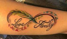 Tatuajes de infinitos con plumas Mom Daughter Tattoos, Brother Tattoos, Tattoos For Daughters, Mom Tattoos, Body Art Tattoos, Remembrance Tattoos, Memorial Tattoos, Tattoos For Women Small, Small Tattoos