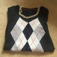 Tommy Hilfiger Size Small sweater Gently worn a few times. Great condition. Tommy Hilfiger Sweaters V-Necks