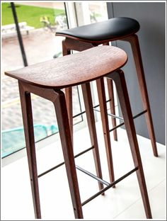 Backless Bar Stools - The Superior Aesthetic Choice Bar Counter, Counter Stools, Trendy Furniture, Furniture Design, Backless Bar Stools, 30 Bar Stools, Patio Bar, Chair, Home Decor