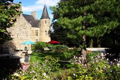 Château d'Agneaux, an amazing hotel in Normandy, France. French Castles, Villa, Normandy France, Rouen, Best Hotels, Html, Images, House Styles, Building