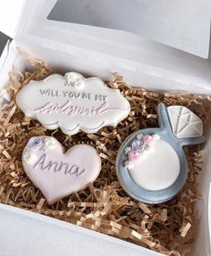 Will You Be My Bridesmaid Cookies - Bridesmaid Proposal Cookies - Maid of Honor Flower Girl Proposal - Bridal Party Gifts Will You Be My Bridesmaid Gifts, Bridesmaid Proposal Gifts, Groomsmen Proposal, Bridesmaid Gift Boxes, Bridesmaid Ideas, Wedding Cookies, Wedding Favours, Our Wedding, Dream Wedding