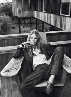 'Hamptons' Anna Ewers by Josh Olins for Vogue Paris October 2013 [Editorial] - Fashion Copious Foto Fashion, Tomboy Fashion, Fashion Shoot, Editorial Fashion, Fashion Models, Style Fashion, White Editorial, Androgynous Fashion, Fashion Guide