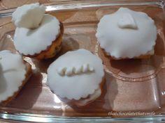 cupcake fondant white