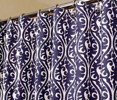 Orientalische Muster-Duschvorhang in Indigo Blue & von LaRicaHome