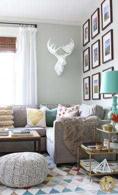 Modern Living Room / Fall Decor - via inspiredbycharm.com