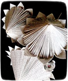 Paper Protea, made by Ria Erasmus Folded Paper Flowers, Iris Paper Folding, Origami Flowers, Book Folding, Folded Book Art, Paper Book, Paper Art, Paper Crafts, Old Book Crafts