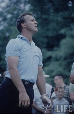 Arnold Palmer Met him at The Country Club of the Hamptons. Arnold Palmer Golf, Golf Images, Vintage Golf, Masculine Style, True Grit, Square Photos, Photo Checks, Sports Stars, Golf Fashion