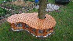 Lavička pro mou královnu Garden Bridge, Outdoor Structures, Table, Furniture, Home Decor, Decoration Home, Room Decor, Tables, Home Furnishings