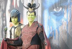 Pin for Later: Jamie Lee Curtis Walks the Red Carpet With Her Son and a Whole Lot of Green Face Paint