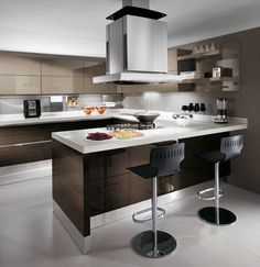 European Kitchen Design from Scavolini - new Scenery in Cream