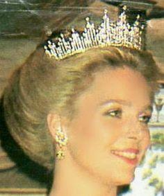 Tiara Mania: Diamond Sunburst Tiara worn by Queen Noor of Jordan More