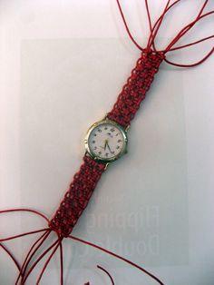 Un encargo, correa de macramé para un reloj que tenía la suya bastante estropeada.