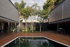 Bacopari House | UNA Arquitetos #courtyard #pool