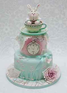 Emma Jayne Cake Design Alice in Wonderland cake theme
