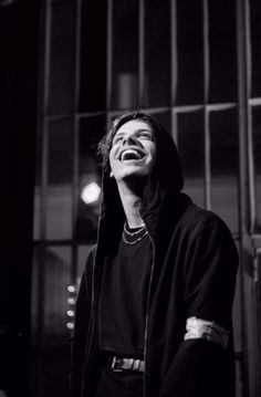 I love his smile. So genuine Shane Dawson And Ryland, Pretty People, Beautiful People, Beautiful Boys, Dominic Harrison, Wattpad, Black Heart, Music Bands, Celebrity Crush