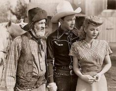Gabby Hayes, Roy Rogers, and Dale Evans Radios, Dale Evans, The Lone Ranger, Tv Westerns, Thing 1, Roy Rogers, Western Movies, Fashion Tv, Queen