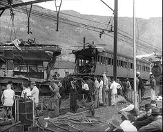 The Woodstock Rail Disaster 8 April 1957 - Cape Town photos / South Africa Old Pictures, Old Photos, Cape Town South Africa, Most Beautiful Cities, Back In Time, African History, Africa Travel, Woodstock, Antique Maps