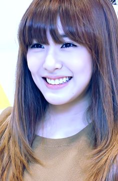 4 Tiffany of SNSD . One of the my girl crushes who doesn't need much makeup but can still be pretty. Snsd Tiffany, Tiffany Hwang, Girls' Generation Tiffany, Girls Generation, Ulzzang Makeup, Snsd Fashion, Cute Beauty, Beautiful Smile, Kpop Girls