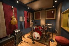 Ideas For Music Room Ideas Studio Basements Studio Room Design, Home Studio Musik, Drums Studio, Music Studio Decor, Home Music Rooms, House Music, Rehearsal Room, Band Rooms, Basement Studio