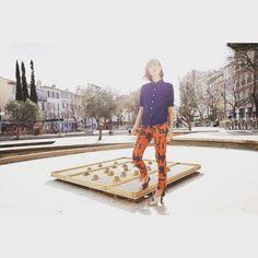 Notre nouvelle collection printemps-été 2016 fait son apparition, Norma porte notre pantalon imprimé Trafic et une chemisette #BleuDeChine #CoursJulien #CoursJu #MadeInMarseille #MadeInFrance