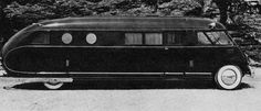 A Brooks Stevens early Motorhome design. Vintage Motorhome, Vintage Campers Trailers, Vintage Rv, Camper Trailers, Camper Van, Luxury Motorhomes, Rv Motorhomes, Cool Rvs, Teardrop Camper Trailer