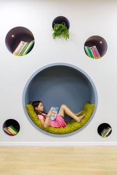 Awesome little reading nook idea. Home Garden Design, Home Room Design, Kids Room Design, Home Interior Design, Interior Decorating, Kids Bedroom Designs, Room Ideas Bedroom, Home Decor Bedroom, Room Decor