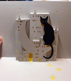City cat pop-up card  (template from Cahier de Kirigami 18)