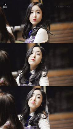 Smug face in progress-- Kpop Girl Groups, Korean Girl Groups, Kpop Girls, Gfriend Profile, Dancer Problems, Sinb Gfriend, Kim Hyun, Best Dance, Hip Hop Dance