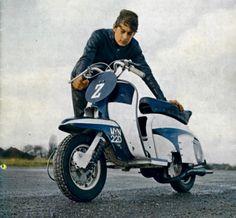 Formalisten / White Special_Referenzen - Die Kunst eine Motorroller zu warten - The art of motorscooter maintenance