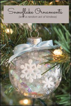 Snowflake Ornaments & A Random Act of Kindness #CraftersRAK #DIY #sponsored by Raelynn8