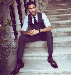 Actor/Model, Noah Mills, wears Beymen Collection F/W 13 Gentleman Mode, Dapper Gentleman, Dapper Men, Gentleman Style, Gq Style, Style Me, Style Blog, Simple Style, Classic Style