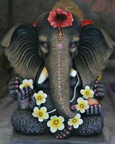 Make this Ganesha Chathurthi 2020 special with rituals and ceremonies. Lord Ganesha is a powerful god that removes Hurdles, grants Wealth, Knowledge & Wisdom. Ganesha Drawing, Lord Ganesha Paintings, Ganesha Art, Shri Ganesh, Ganesh Lord, Durga, Hanuman, Krishna Krishna, Ganesh Images
