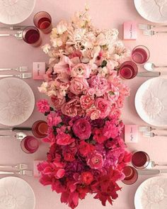 Ombre wedding table centrepiece // via the berry.com #wedding #table