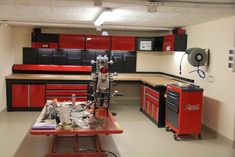 Atelier moto garage plans, garage tools, car garage, garage house, garage s Garage House, Garage Bike, Garage Tools, Man Cave Garage, Motorcycle Garage, Garage Shop, Garage Plans, Garage Workshop, Dream Garage