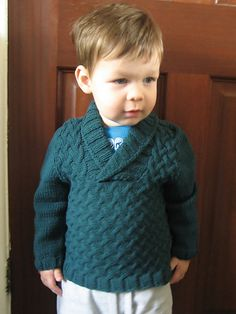 Diy Crafts - Gucci Baby Boy Sweater I want this for my son! Baby Boy Sweater, Toddler Sweater, Knit Baby Sweaters, Boys Sweaters, Baby Boy Knitting Patterns Free, Baby Sweater Knitting Pattern, Knitting For Kids, Baby Patterns, Crochet Baby