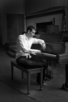 senior portraits with piano | Recent Photos The Commons Getty Collection Galleries World Map App ...