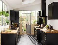 Kitchen Interior, New Kitchen, Kitchen Dining, Timber Kitchen, Wooden Kitchen, Black Kitchens, Home Kitchens, Decoracion Vintage Chic, Sweet Home